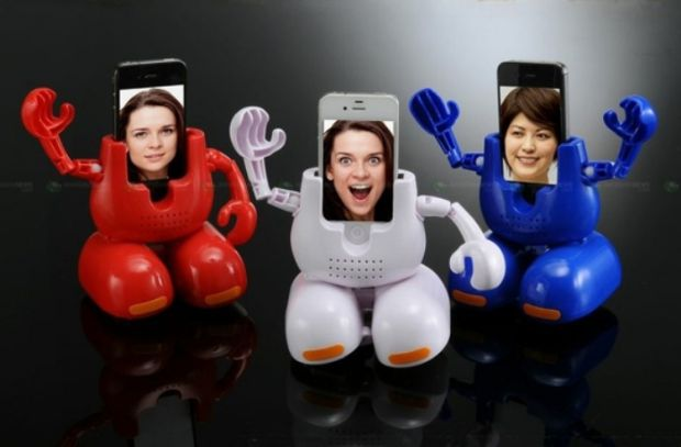 Dancing-Robot-iPhone-Stand