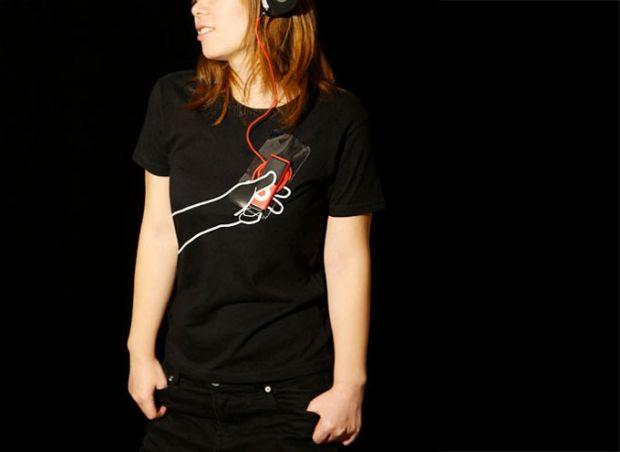 Hand-Tshirt-1